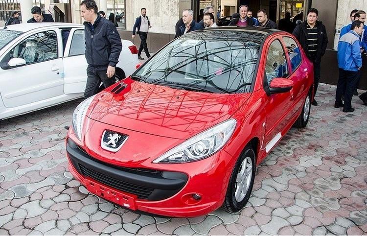 تقاضای خرید خودرو در بازار دچار ریزش ۵۰ درصدی طی ۱۵ روز اخیر شد