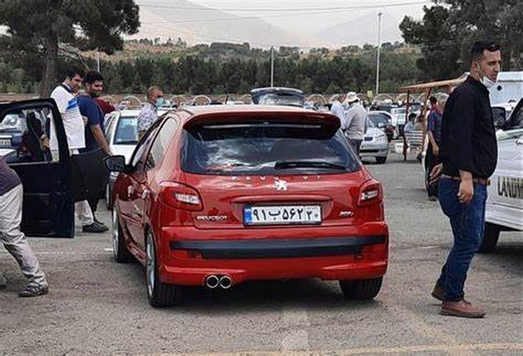 قیمت خودرو در بازار ۱ تا ۳ میلیون تومان کاهش یافت